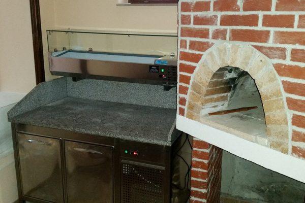 Pizza stol sa nadgradnjom